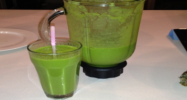 A-Green-Bomb-This-Drink-Can-Help-You-Burn-2kg-of-belly-Fat-in-No-Time-RECIPE