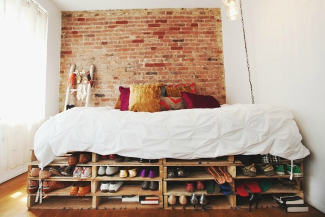 Pallet-Bed-With-Shoe-Storage