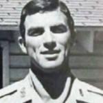 Avant d'être une star, il était sergent dans l'armée. Connaissez vous son nom?