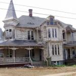 Regardez comment cette maison inhabitée depuis 1887 à retrouvé son ancienne gloire