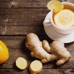 Comment faire de l'eau de gingembre pour traiter les migraines, brûlures d'estomac, douleurs articulaires et musculaires