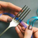Voici comment faire un joli petit noeud avec une fourchette