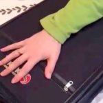 Voici comment mettre des vêtements pour semaines dans une petite valise