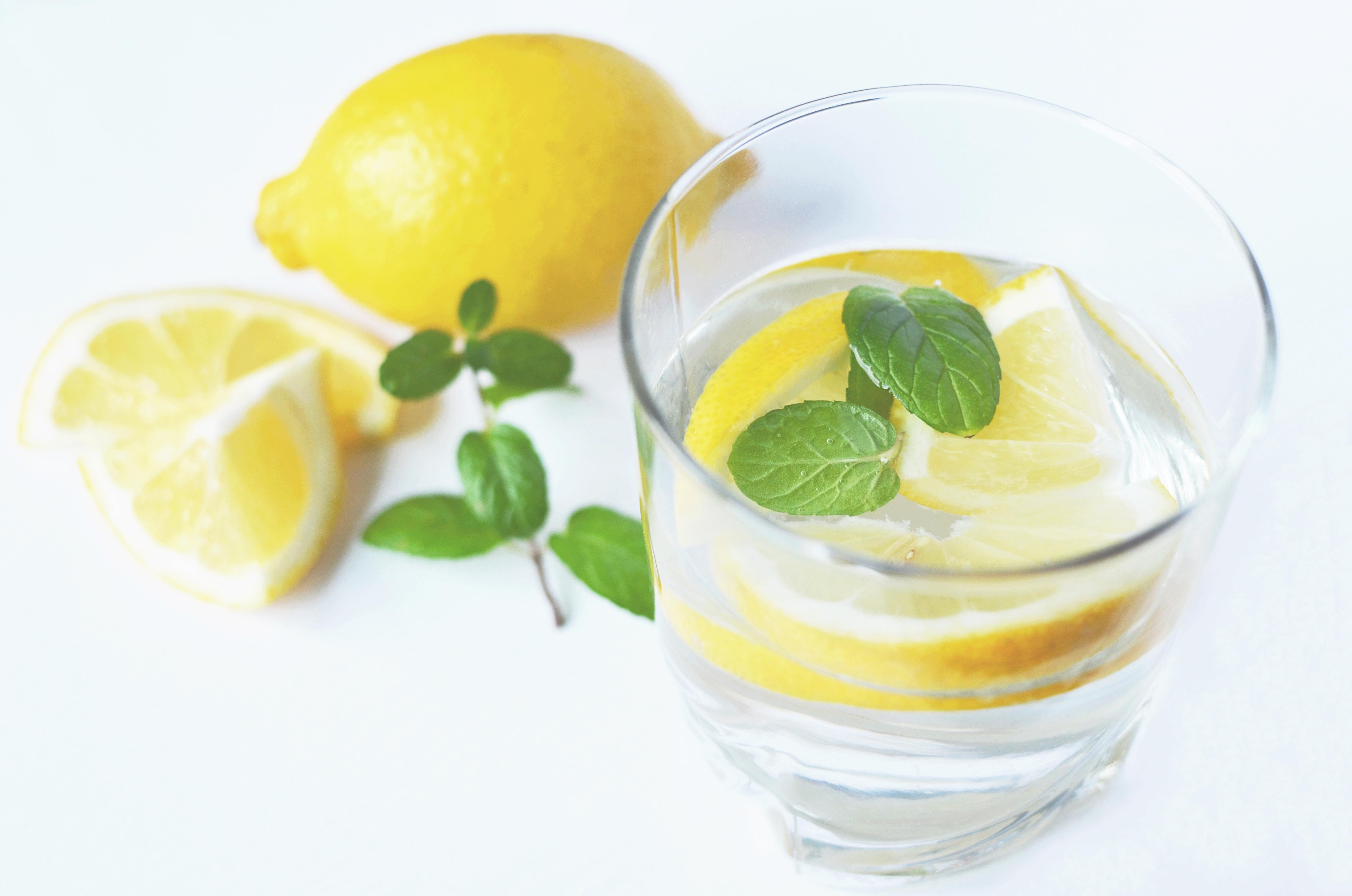 water-drink-fresh-lemons