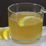Elle a bu de l'eau avec du miel et du citron chaque matin pendant une année. Voici ce qui s'est passé après ça