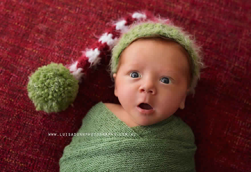 newborn-babies-christmas-photoshoot-knit-crochet-outfits-24-584ac7cc968f2__880