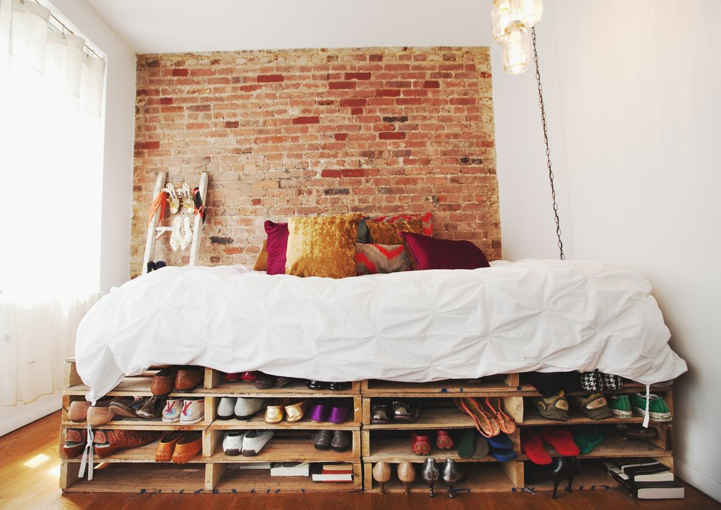 Recycled-Pallet-Bed-Frames-homesthetics-16