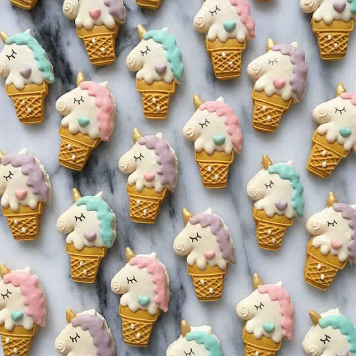 cute-unicorn-macarons-16-586e4cf81f23b__700