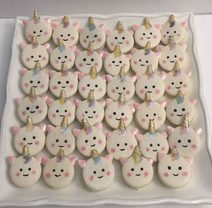 cute-unicorn-macarons-17-586e4d29bf811__700