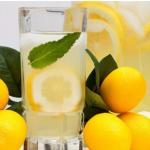 Buvez de l'eau citronnée si vous avez un de ces 13 problèmes