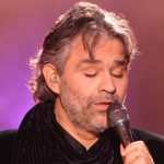 Andrea Boccelli interprète cette célèbre chanson d'Elvis. Je vous défie de ne pas verser une larme