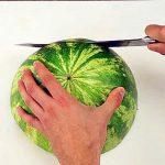 Ce chef partage la meilleure façon de couper une pastèque