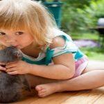 25 photos qui montrent pourquoi tous les enfants devraient avoir un animal de compagnie