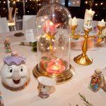 Chaque table au mariage de ce couple a été inspirée d'un film Disney différent