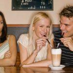Comment chaque signe du zodiaque exprime la jalousie dans une relation