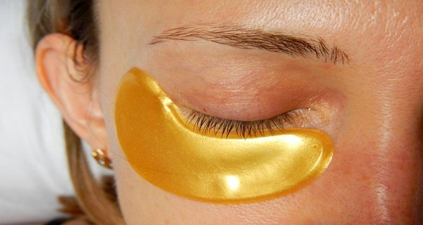 Put-Yellow-Baking-Soda-Under-Your-Eyes-and-the-Results-Will-be-Amazing