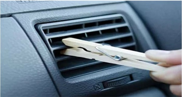 When-I-Got-in-Her-Car-and-Saw-a-Clothespin-on-the-Air-Vent-I-Thought-It-Was-Odd.-Her-Reason-GENIUS