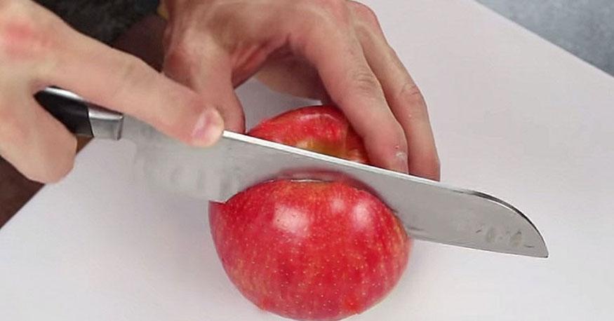 apple-cutting