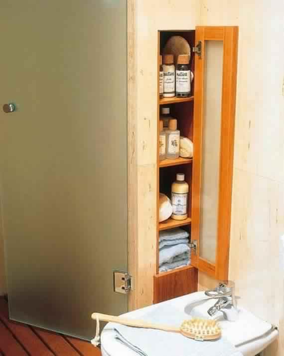 Creative-Storage-Idea-For-A-Small-Bathroom-Organization_06