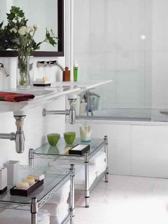 Creative-Storage-Idea-For-A-Small-Bathroom-Organization_14