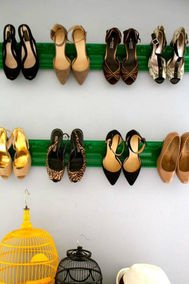 Molding-shoe-shevles