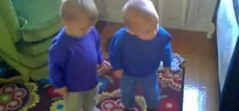 dancingtwinbabies