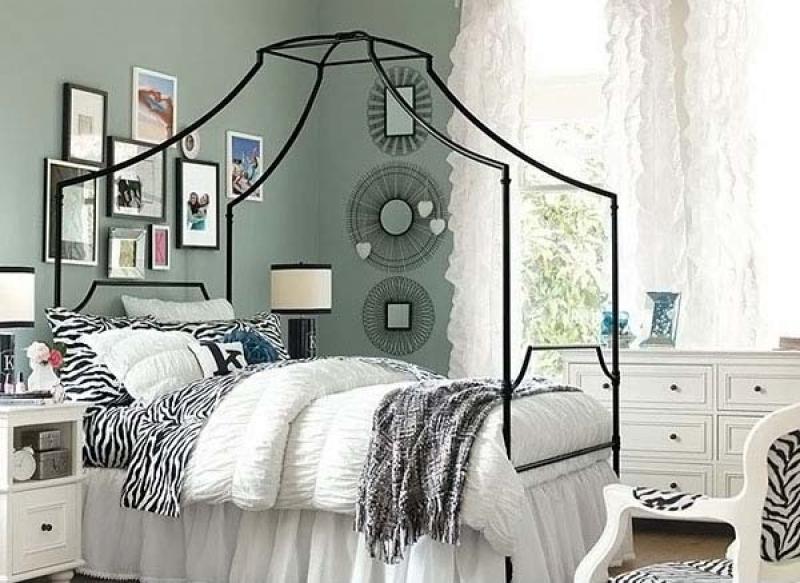 fairytales-bed-room-20131206-130227