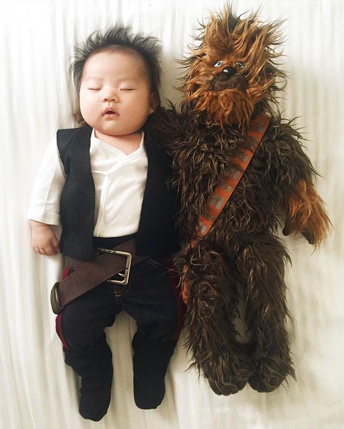 sleeping-baby-cosplay-joey-marie-laura-izumikawa-choi-27-57be924e80bbf__700