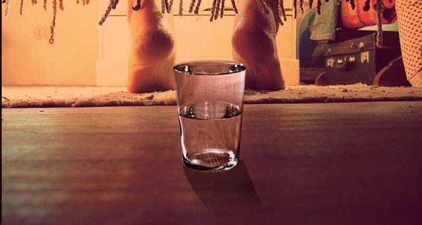 glass-of-water-under-your-bed