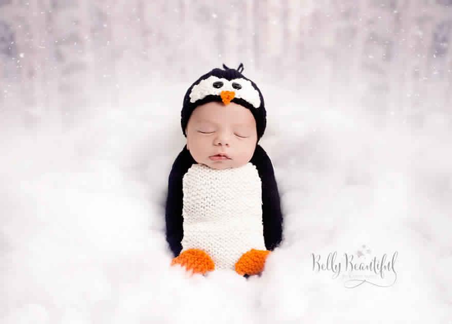 newborn-babies-christmas-photoshoot-knit-crochet-outfits-84-584ec6e4f225d__880