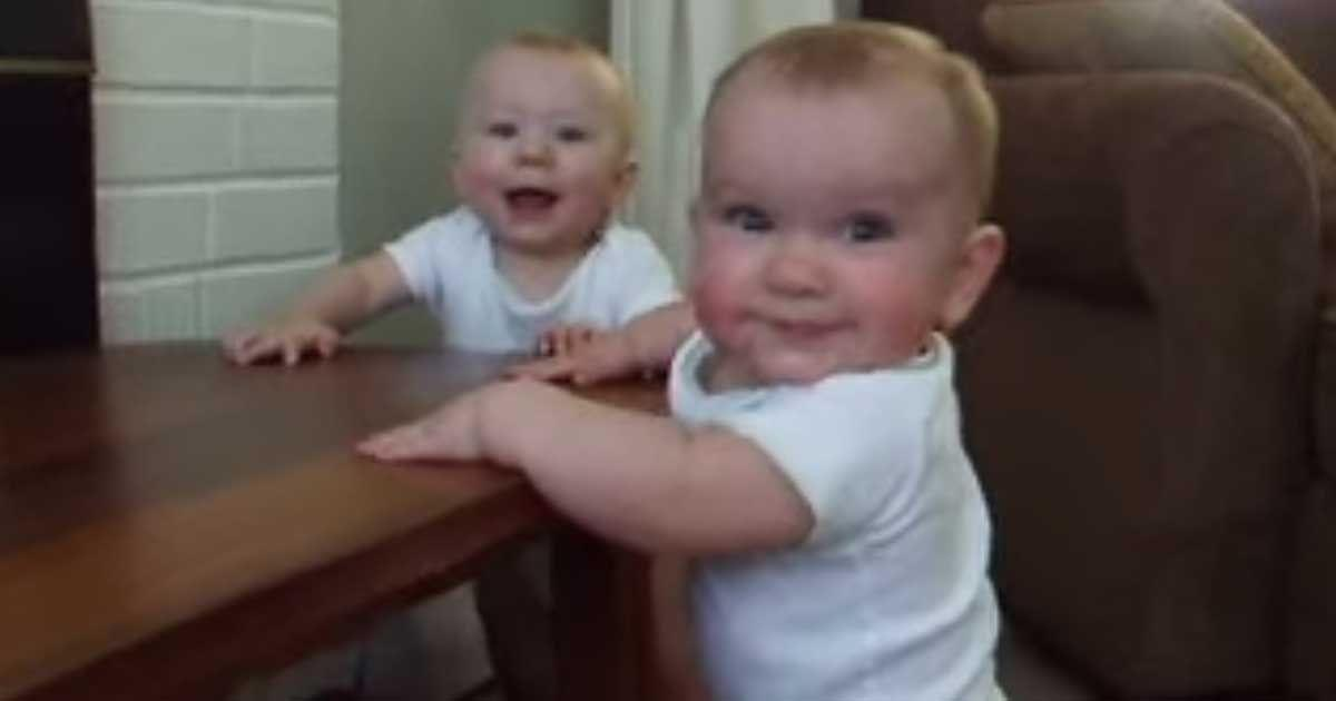 baby_twins_attack_daddy_featured
