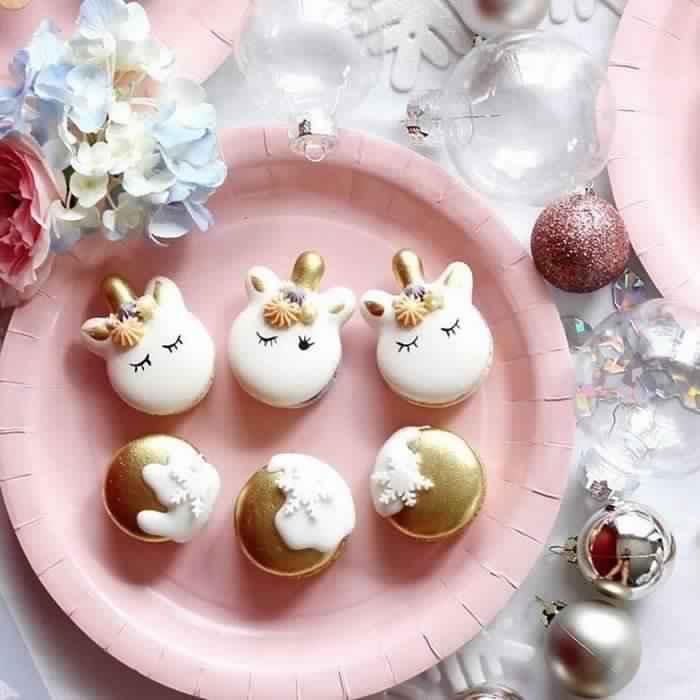 cute-unicorn-macarons-1-586e4725798cf__700
