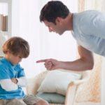 Les pires erreurs que font les parents lorsqu'ils parlent aux enfants