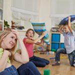 Être à la maison avec ses enfants est plus stressant que d'aller au travail, confirme la science