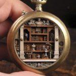Cet artiste transforme de vieilles montres de poche en mondes miniatures, et le résultat est fascinant (28 photos)