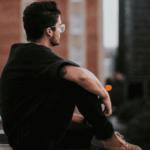 Pourquoi il manque de confiance selon son signe du zodiaque
