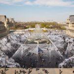 Un artiste crée une illusion d'optique incroyable au Louvre pour pouvoir être détruite en quelques jours